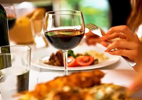 Ужин на двоих или компании со скидкой 50% в кафе-баре ТРОЯ!
