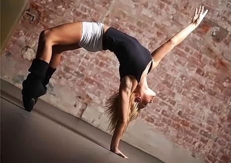 Фитнес и танцы в сети студий по городу Киеву со скидкой 50%!