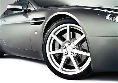 Шиномонтаж 4 колес для легкового автомобиля или внедорожника на Печерске! Скидка 52%!