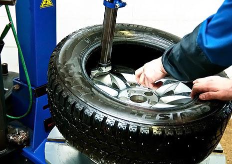 Шиномонтаж 4 колес для легкового авто, внедорожника/паркетника на Оболони со скидкой 50%!