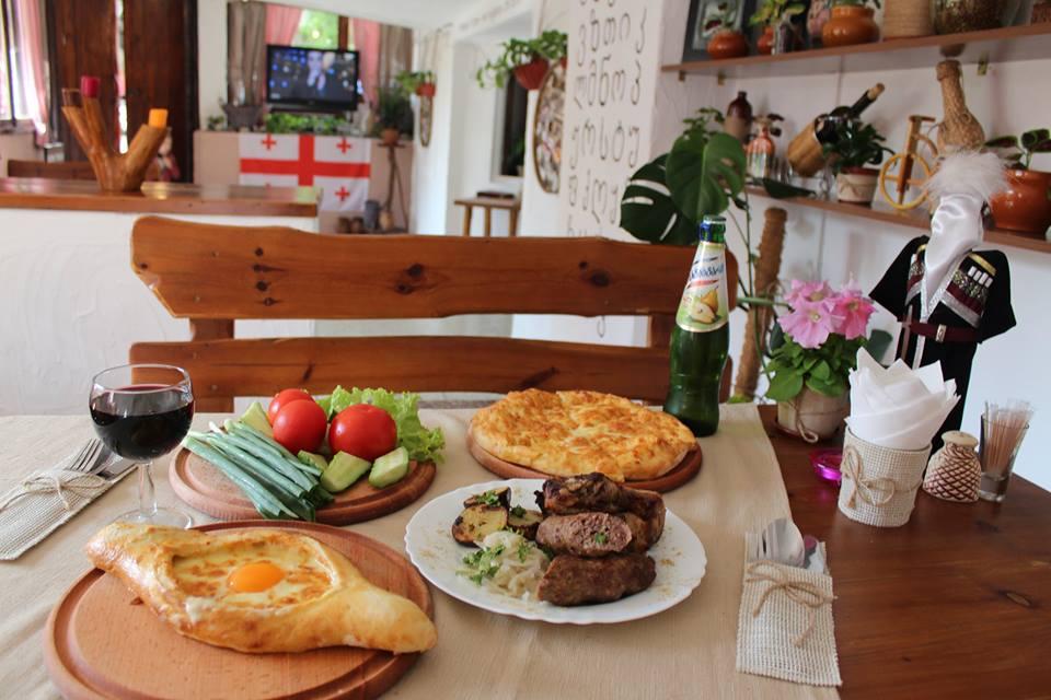 Все меню кухни в грузинском ресторане Retro Tbilisi со скидкой 30%!